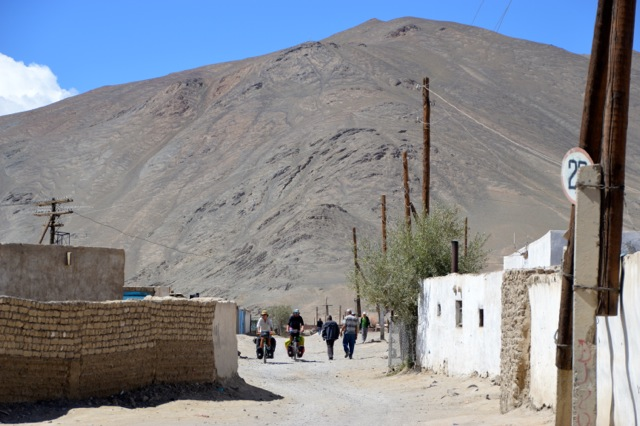 Cycling through the back streets of Murghab.