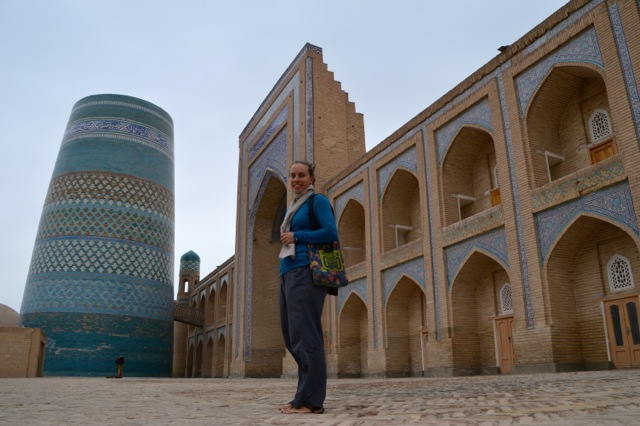 Jude in front of the Mohammed Amin Khan Medressa and the Kalta Minor Minaret.