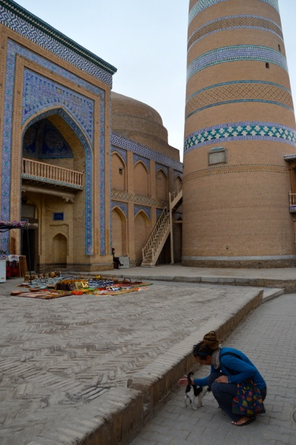 Cat love in Khiva.