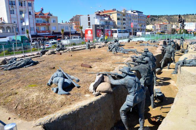 Part of the War Memorial in Eceabat.